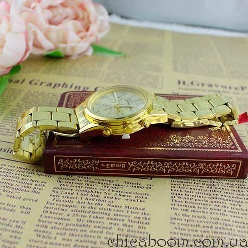 Часы Geneva с металлическим браслетом золотистого цвета