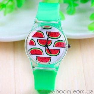 Часы с силиконовым ремешком зелёного цвета с арбузами на циферблате