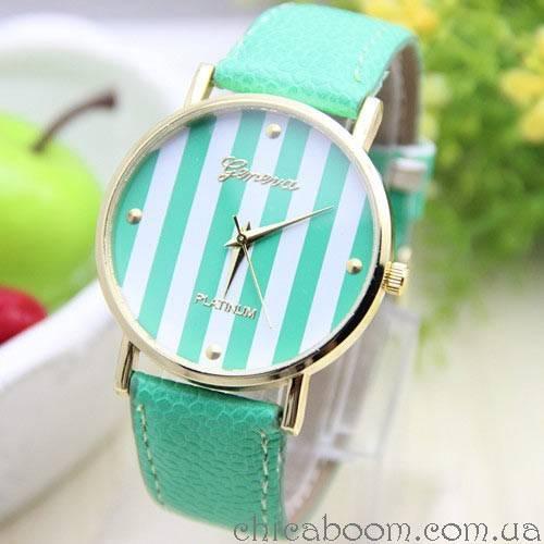 Часы Geneva с кожаным ремешком зелёного цвета