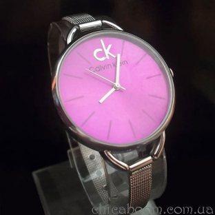 Часы Calvin Klein с металлическим браслетом (циферблат цвета фуксии)