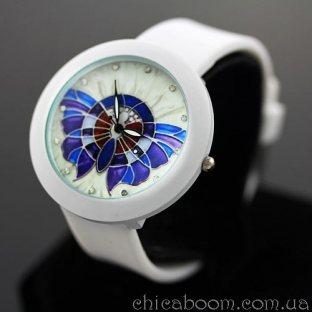 Часы с силиконовым ремешком белого цвета (бабочка)