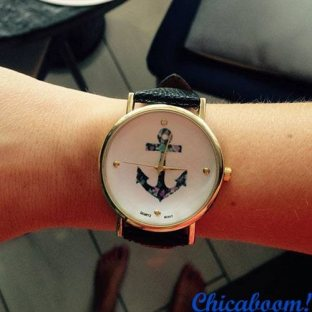 Часы с чёрным ремешком (якорь)