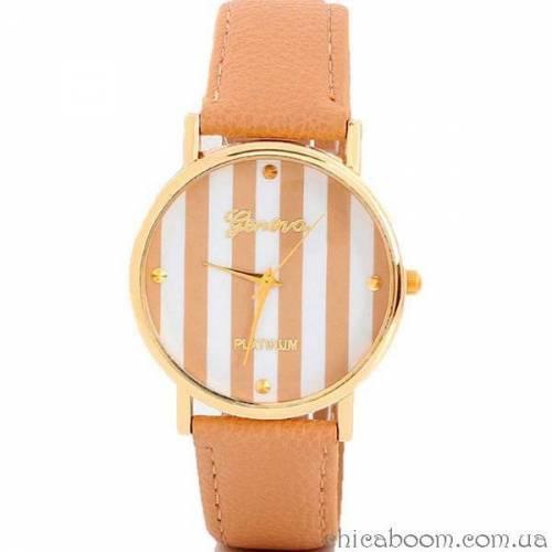 Часы Geneva с кожаным ремешком коричневого цвета