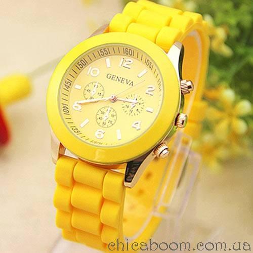 Часы Geneva с силиконовым ремешком жёлтого цвета