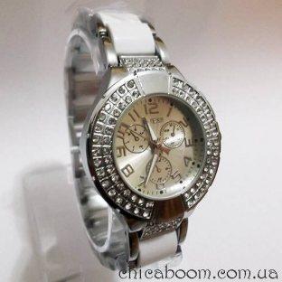 Часы Guess с металлическим браслетом серебряного цвета