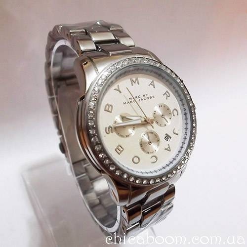 Часы Marc Jacobs с металлическим браслетом серебристого цвета