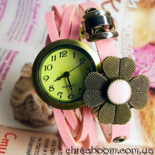 Часы-браслет с ремешком розового цвета (цветочек)