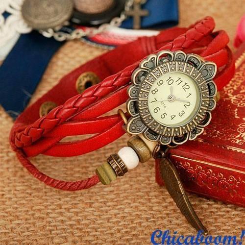 Часы-браслет с красным ремешком (крылышко)