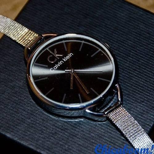 Часы Calvin Klein с серебристым браслетом (чёрный циферблат)