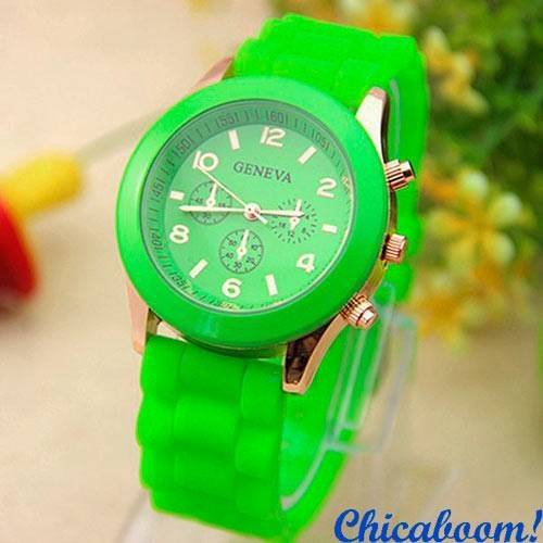 Часы Geneva с силиконовым ремешком салатового цвета