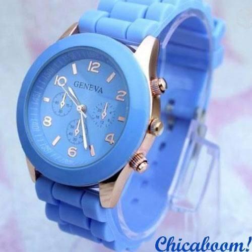 Часы Geneva с силиконовым ремешком голубого цвета