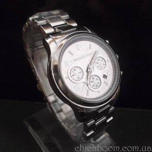 Часы Michael Kors с серебристым браслетом