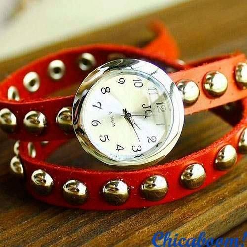 Винтажные часы JQ с длинным ремешком красного цвета (заклёпки)