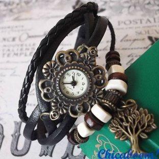 Часы-браслет с чёрным ремешком (дерево)