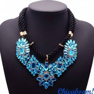 Ожерелье Shourouk голубого цвета
