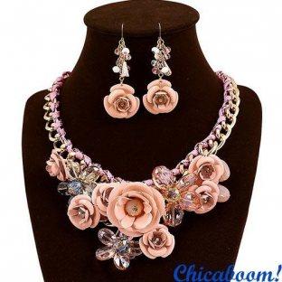 Набор Весенние цветы в персиковых тонах (ожерелье и серьги)