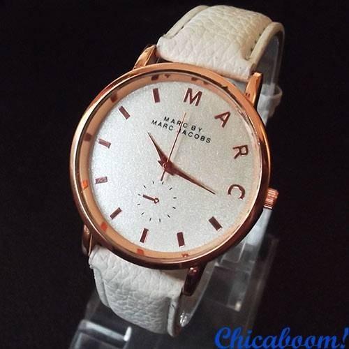 Часы Marc Jacobs белого цвета