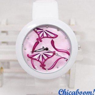 Часы с силиконовым ремешком белого цвета (красная лента)