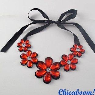 Ожерелье Ледяные цветы (красного цвета)