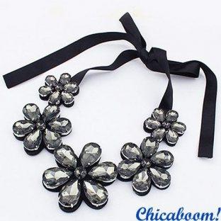 Ожерелье Ледяные цветы серого цвета
