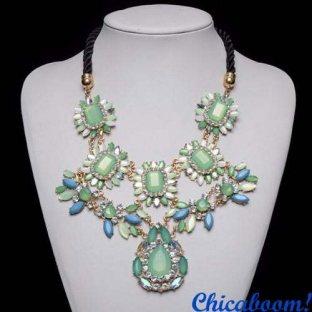 Ожерелье Luxury style в зелёных тонах