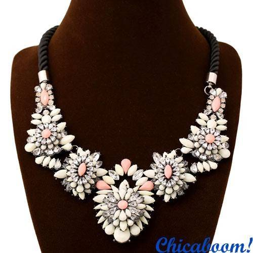 Ожерелье Shourouk (зефирного цвета)