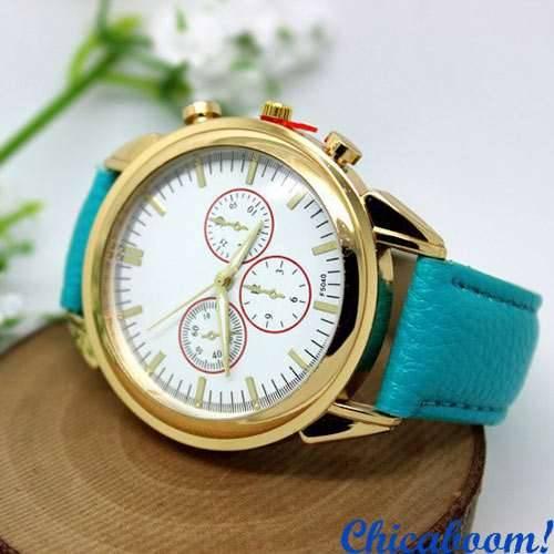 Часы с голубым кожаным ремешком