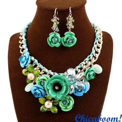 Набор Весенние цветы в зелёных тонах (ожерелье и серьги)