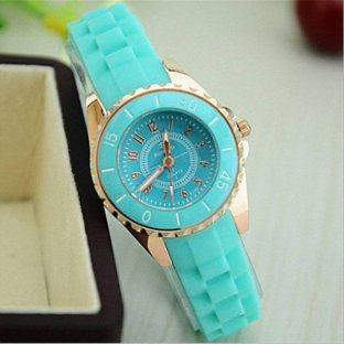 Часы Romand ментолового цвета