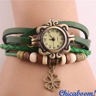 Винтажные часы-браслет с зелёным ремешком (клевер)
