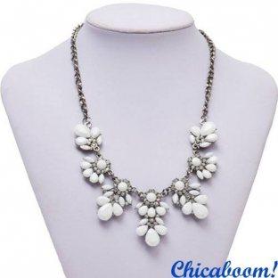 Ожерелье Цветочный кристалл белого цвета