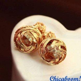 Серьги пусеты в стиле Диор золотого цвета (плетёные)