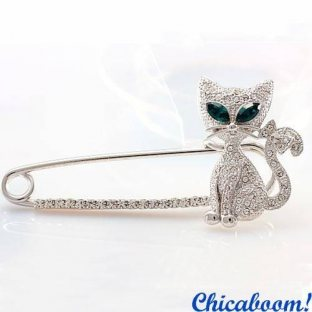 Брошь Кошка серебряного цвета