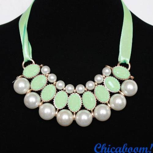 Ожерелье Молочный жемчуг (салатовый цвет)