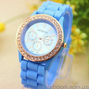 Часы Geneva с силиконовым ремешком голубого цвета и стразами