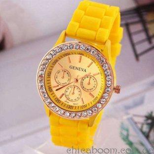 Часы Geneva с силиконовым ремешком жёлтого цвета и стразами