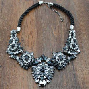 Ожерелье Shourouk Тёмная ночь