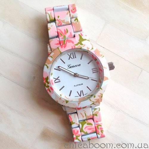 Часы Geneva с цветочным принтом в розовых тонах (пластик)