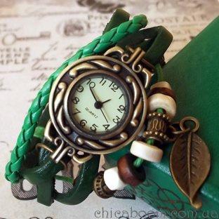 Часы-браслет с зелёным ремешком (листочек)