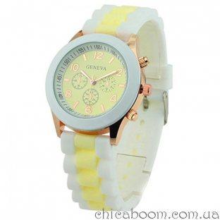 Часы Geneva с силиконовым ремешком с жёлтой вставкой