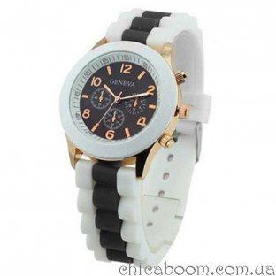 Часы Geneva с силиконовым ремешком с чёрной вставкой