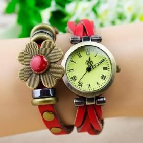 Часы с длинным ремешком. Винтажные часы