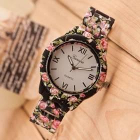 Часы с пластиковым браслетом