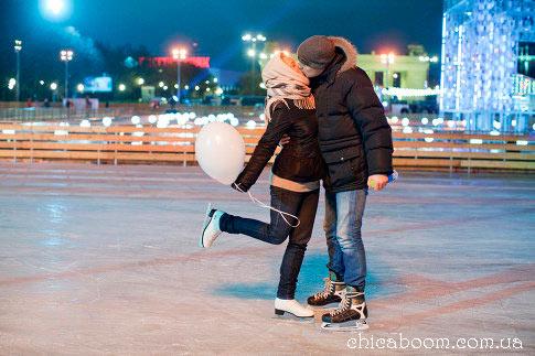 зимнее свидание на катке