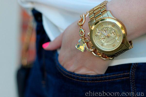 женские часы Майкл Корс с металлическим браслетом