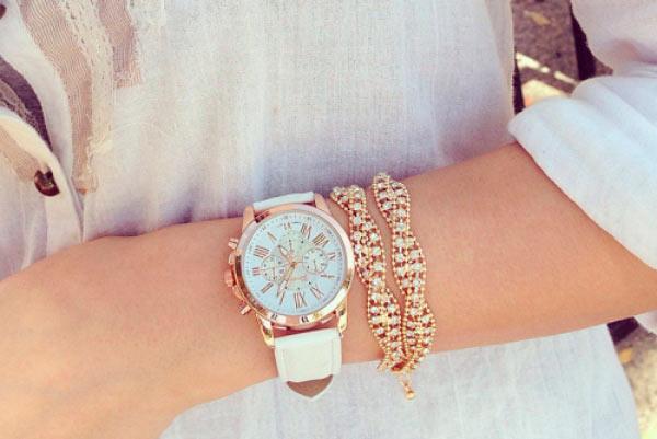 Часы Geneva с белым ремешком