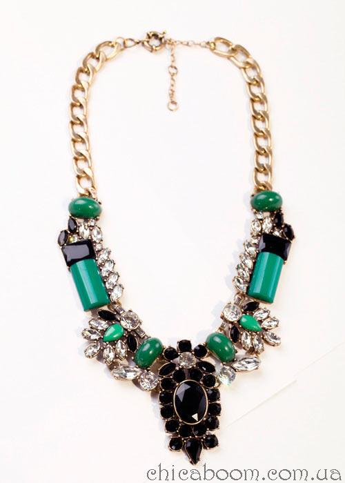 купить ожерелье зелёных тонов в магазине Чикабум