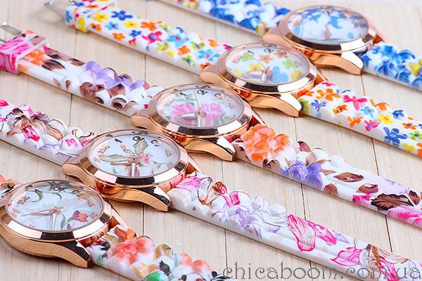 Яркие часы на силиконовом ремешке с цветочным принтом