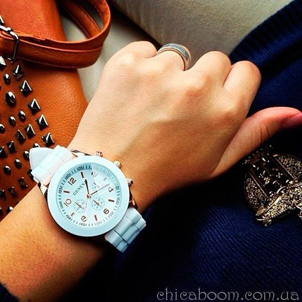 часы Geneva с силиконовым ремешком