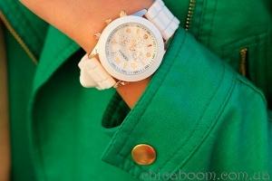Стильные вещи. Часы Geneva с силиконовым ремешком белого цвета.